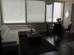 ROOM AVAILABLE DOWNTOWN RIGHT AWAY!
