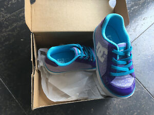 NEW in box DC shoes size 8