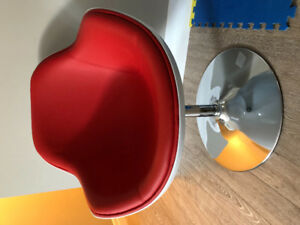 Structube modern swivel chair for sale