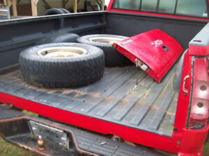 BOX FOR GMC 2500 WITH TAIL GATE