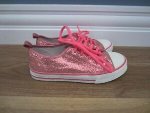 GIRLS SHOES - SIZE 2 & SIZE 1 - $5.00 EACH