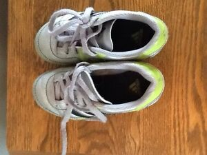 Adidas soccer cleats / shoes  like new Stratford Kitchener Area image 3
