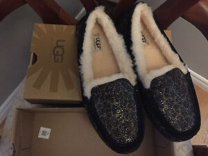 New! Ugg slipper shoes size 8 or 9 Kitchener / Waterloo Kitchener Area image 2