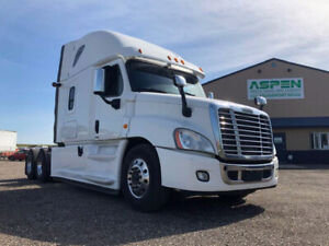 Freightliner | Find Heavy Pickup & Tow Trucks Near Me in Manitoba