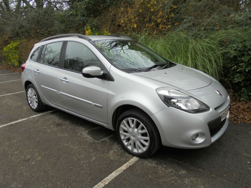 renault clio estate 1 2t 16v 100bhp dynamique tom tom 2010 60 reg in southampton. Black Bedroom Furniture Sets. Home Design Ideas