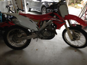 CRF450 2011. Excellent condition.!!!!!!!