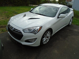 2013 Hyundai Genesis Coupe GT Coupe with low low km