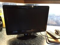 Hitachi 14 inch lcd TV/DVD combo