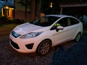 FORD FIESTA SE BERLINE 2013