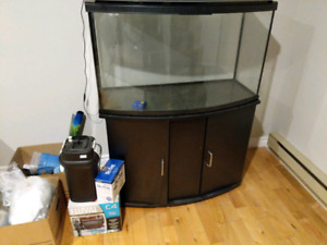 FISH TANK 45 GALLONS, BOW FISH TANK, INCLUDED ALL EQUIPMENT