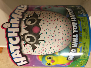 HATCHIMALS PENGUALAS BRAND NEW NEVER OPENED!!!!