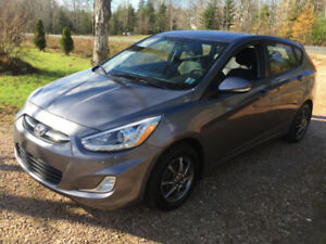 2016 Hyundai Accent Hatchback LOW KM