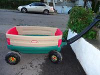 Chariot pour enfants presque neuf