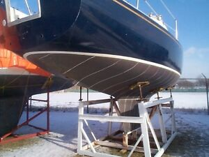 "1972  ""Grampian 26""  Dark Blue Hull - Excellent Condition"