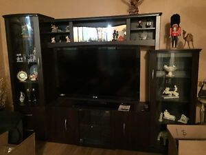 TV stand / Entertainment unit in great condition looks new