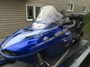 Beautiful two-up V 1000 four stroke ski-doo with extras