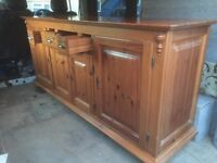 Beautiful country pine side unit