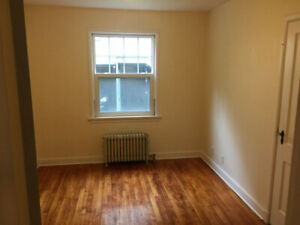 May 1st - Looking for a new Roommate (near DAL & St. Mary's)