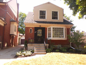 Downtown, lovely curb appeal, 3beds, 3baths, in-law potential !