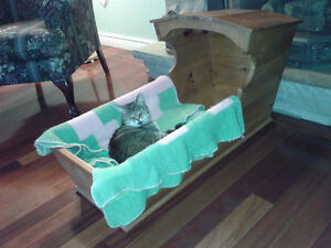 GREAT HANDMADE PINE PET BED