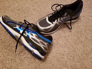 Mens Asics running shoes. 10.5