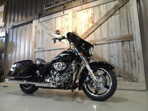 2013 Harley-Davidson FLHX - Street Glide Peterborough Peterborough Area image 2