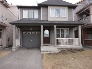 North Oshawa Gorgeous 4 BR 2.5bath House, Clean and Spacious