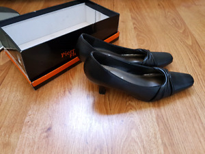 Heels brand new in box size 6.5