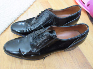 Men's formal black shoes - patent leather  Size 8  Great quality