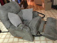 Looks new, grey recliner for sell