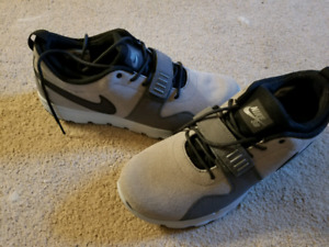 Brand new nike shoes size 11