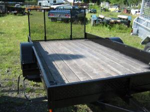 remorque trailer 5 x 10 avec tailgate rampe coté aluminium léger