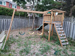 Wooden swingset play structure