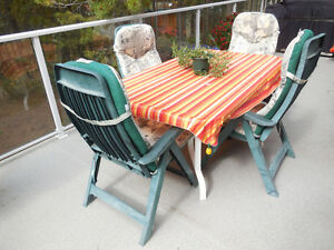 Deck dining table and chair set