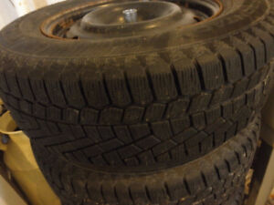 215/70R16 Continental Extreme Winter tyres