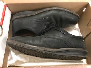 Used Men shoes  **Text Only**