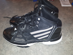 Basketball Shoes Size 8