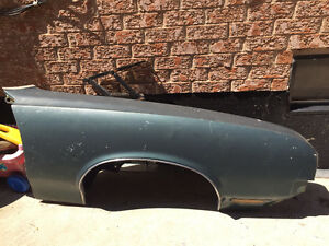 Passenger Side Fender Cutlas Supreme 1971
