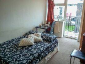 *ONLY NOW DISCOUNTED* Rent This SINGLE/DOUBLE Room Now- Available ASAP- Liverpool Street Station
