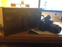 Nikon D40 AFS DX 18-55mm zoom lens, comes with extra lens!!