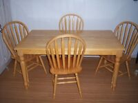 Country Harvest Dining Table with 4 Chairs