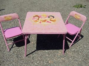 CINDERELLA FOLDING TABLE & CHAIRS