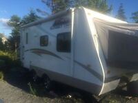 2011 19' Crossroads Sunset Trail Hybrid Ultra Lite Trailer