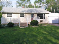 THREE BEDROOM IN SKYLINE ACRES AVAILABLE IMMEDIATELY !!!!