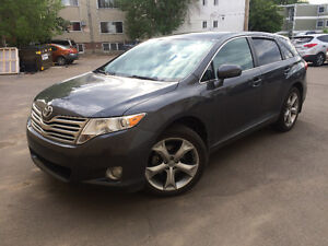2011 Toyota Venza V6 AWD, only 77000 km, Immaculate!!!