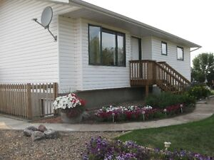 GREAT LOCATION EASY COMMUTING WITH THIS BEAUTIFUL ACREAGE