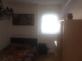 Wonderful double rooms to rent in a modern house in Thorton Heat