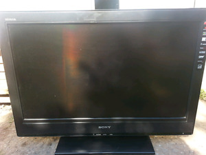 "32"" Sony Bravia flat screen LCD HDTV"