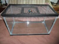 10 GALLON REPTILE TANK WITH SCREEN LID