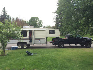 **PRICE REDUCED** 5th Wheel in Excellent Condition!!